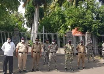 security-beefed-up-at-sharad-pawars-baramati-residence-dispute-to-supply-5-tmc-water-of-ujani-to-indapur