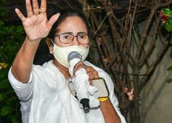 narada-sting-operation-bengal-minister-firhad-hakim-says-being-arrested-west-bengal-chief-minister-mamata-banerjee-arrives-at-the-cbi-office