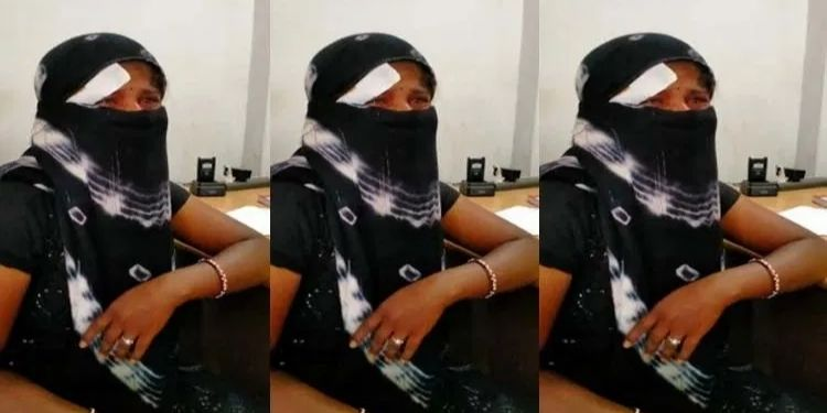 pune-an-encroachment-employee-hit-a-woman-vegetable-seller-in-the-head-with-a-speaker-seriously-injuring-her