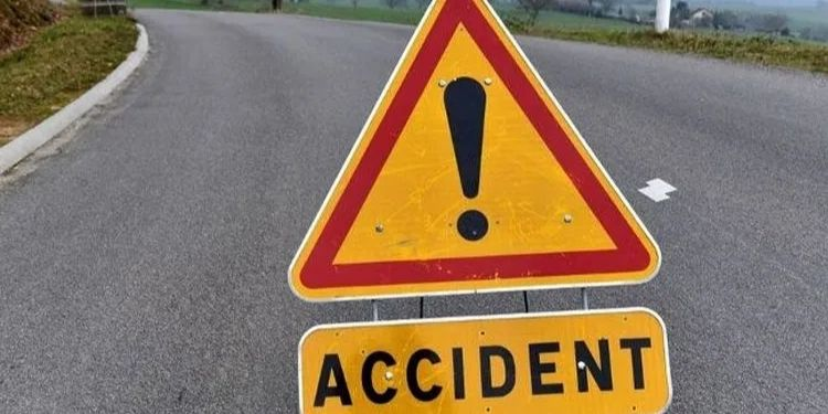 pune news woman died in road accident