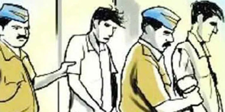 pune news haveli police arrest two in attempt to murder case