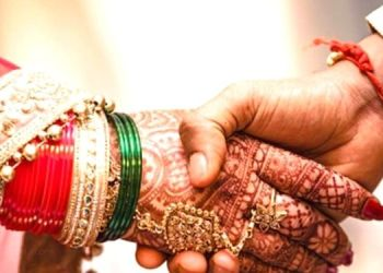 Marraige | Husband goes on a drinking spree, father-in-law marries daughter-in-law with 'knot'