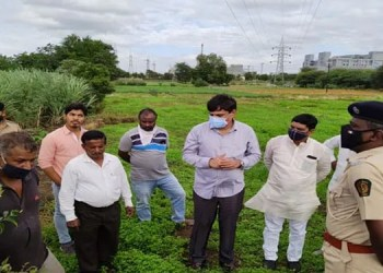 mla chetan tupe leopards in urban areas in hadapsar area mla tupe inspected the area along with forest officials