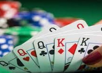 Pune Crime Pune Economic Crimes Branch raids gambling dens at midnight Action was taken against 27 persons and 12.5 lakh items including hookahs were seized