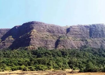 pune crime delhi woman 30 dies after falling into gorge at jivdhan fort