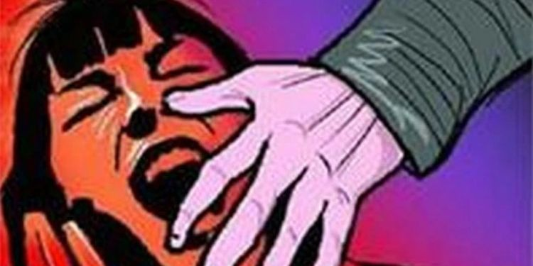 Pune Crime  In Pune, a 35-year-old woman was torn to pieces for refusing to get married; Something happened next ...