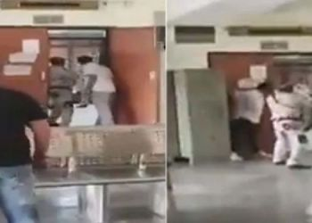 delhi shootout thrilling video of the shootout at rohini court in delhi people running away shouting firing