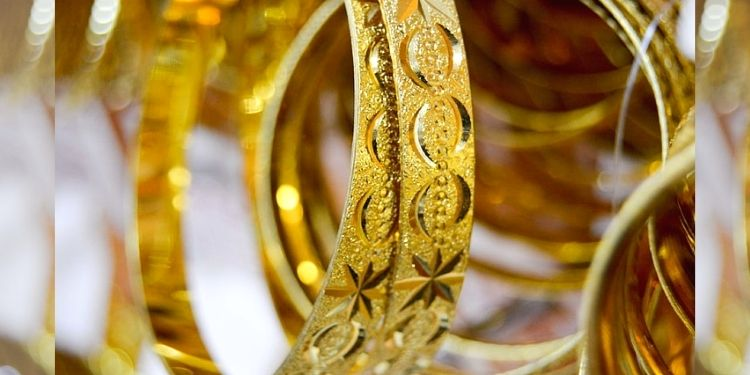 Gold Price Update   gold silver jewelry price rate update 15th september know latest rate indian sarafa market.