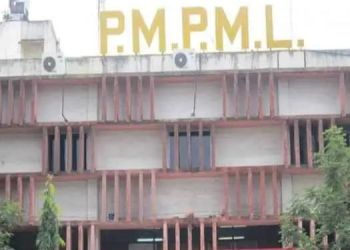 PMPML   MNGL and PMP officials to meet tomorrow regarding Rs 52 crore arrears.