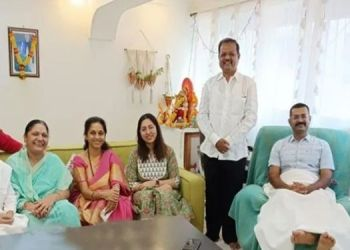 MP Supriya Sule | IPS officer Vaibhav Nimbalkar received a goodwill visit from MP Sule.
