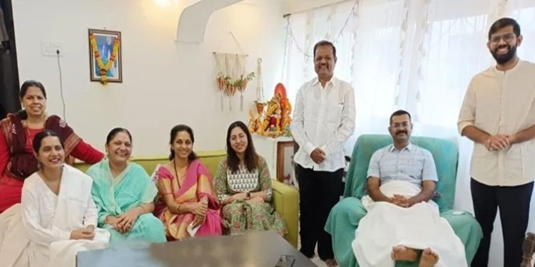 MP Supriya Sule   IPS officer Vaibhav Nimbalkar received a goodwill visit from MP Sule.