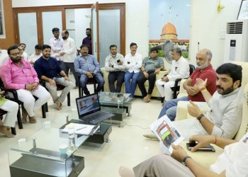 Mayor Murlidhar Mohol | Mayor Murlidhar Mohol informed about the decision to stop the work of Pune Metro in the next 8 days