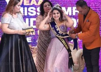 Model and Actress Swati Hanamghar | Actress Swati Hanamghar becomes first runner-up of 'Via Miss and Mrs India 2021' and Mrs Photogenic.