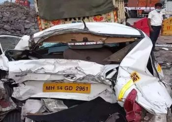 Mumbai pune expressway accident on mumbai pune expressway 3 died on the spot while six are incident near borghat.