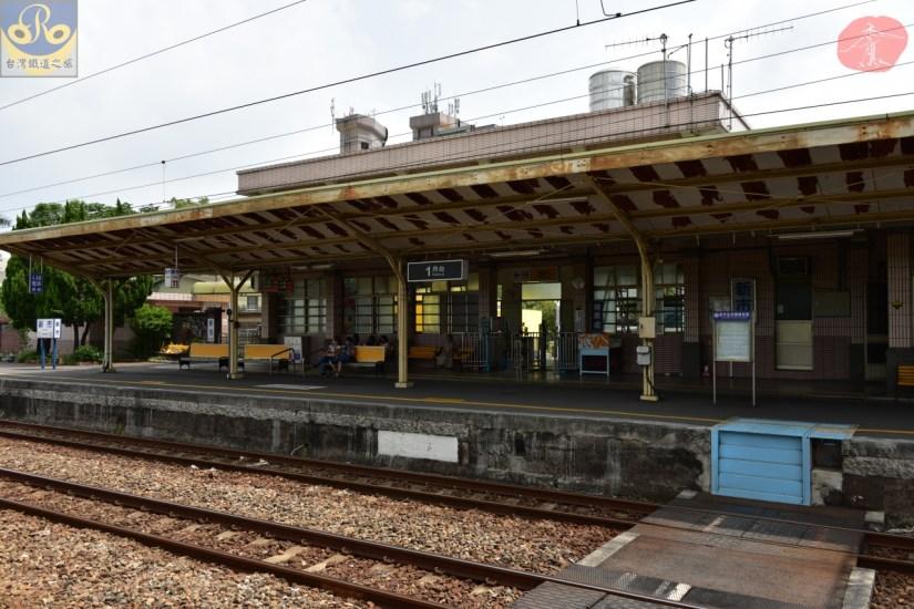 Xinshi_8330_003_Station.JPG