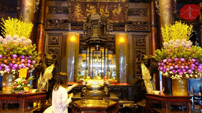 1556_8506_07_Temple.jpg