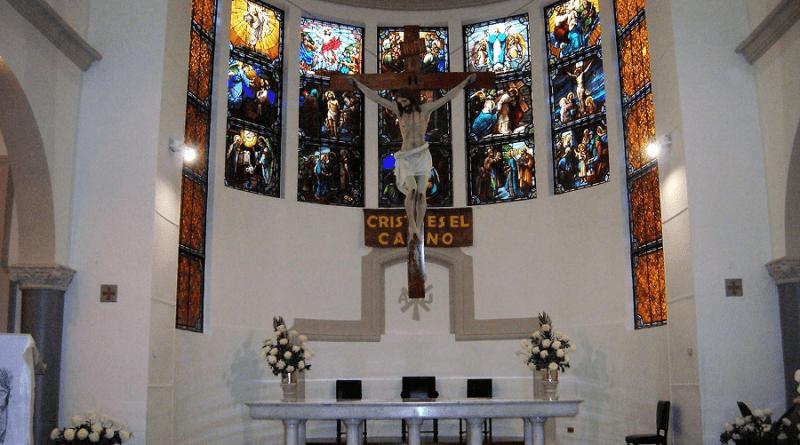 presbiterio parroquia santo cristo