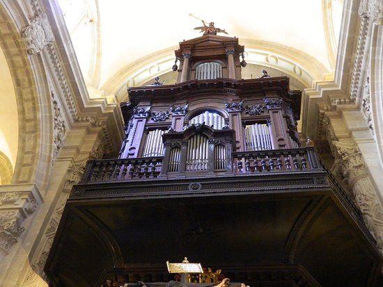 organo-de-la-iglesia el salvador