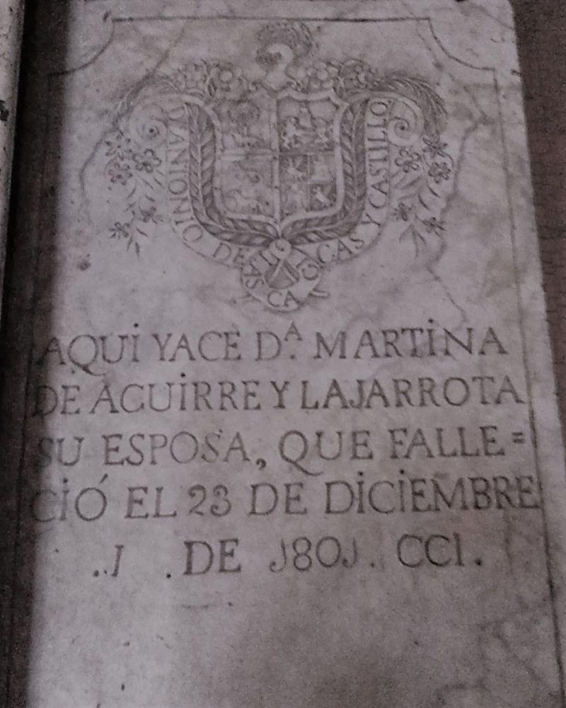 Escudo en lápida catedral