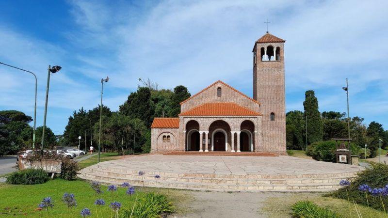 Parroquia Nuestra Señora de la Paz en Pinamar Arquitectura de las iglesias