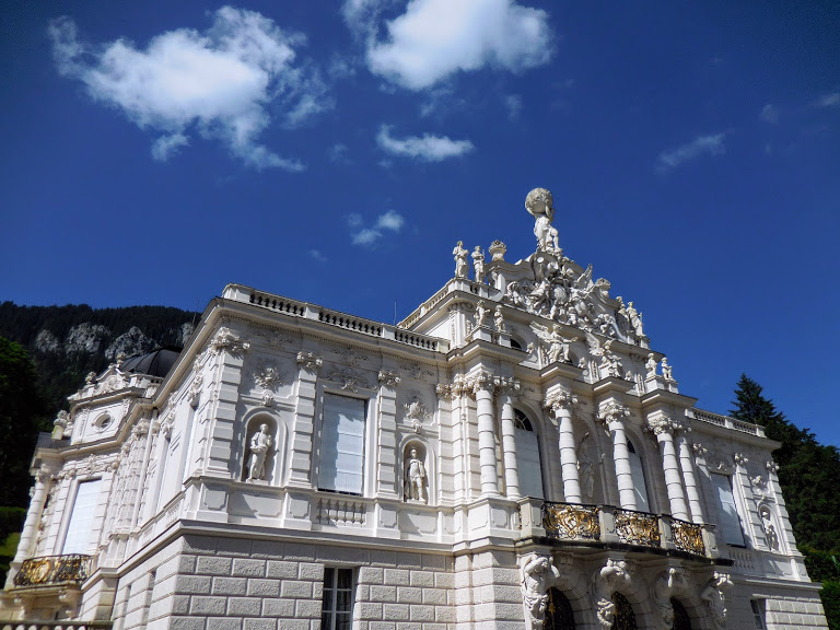 view from ground of front of Linderhof Palace