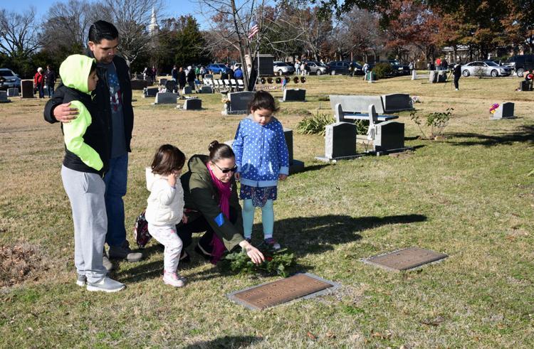 Wreaths to honor fallen service members in Allen Cemetery