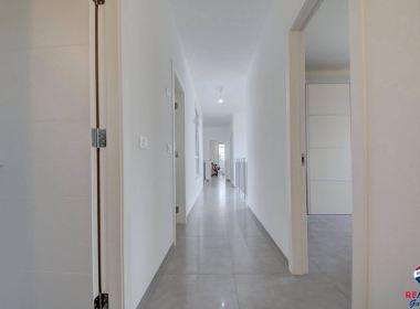 למכירה בתל-מונד נכס יוקרה עם זכויות בניה לבית