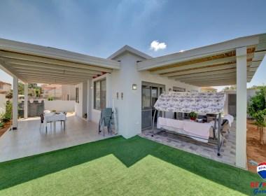 למכירה באזור שקט בקדימה - בית חד קומתי חדש על מגרש גדול בקרבת בתי הספר והמרכז