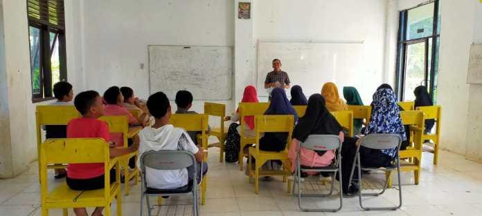 Santri Baitul Arqam Mulai Ikuti Kelas Mentoring Menulis