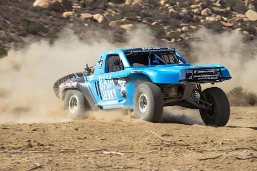 truck off roading