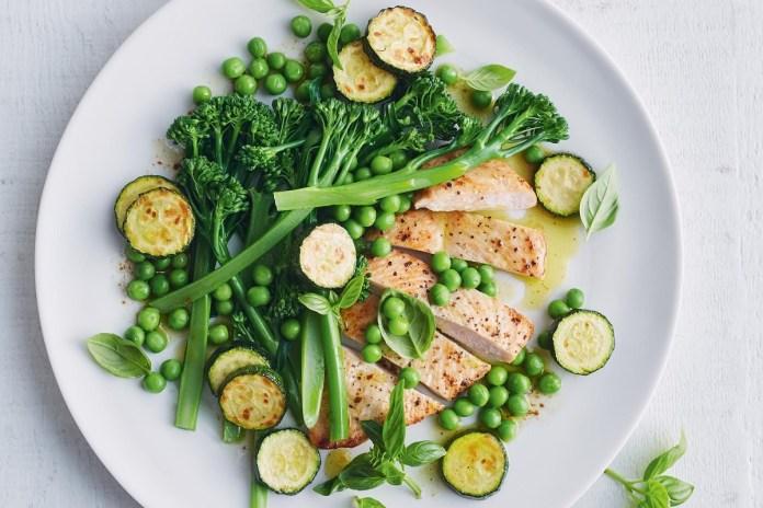 pollo con verduras al ajo