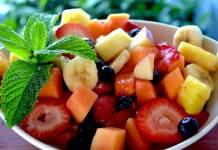 4 Recetas de ensaladas elaboradas con frutas totalmente saludables 4 Recipes of salads made with totally healthy fruits