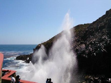 La Bufadora, uno de los principales atractivos naturales de Ensenada, Baja California.