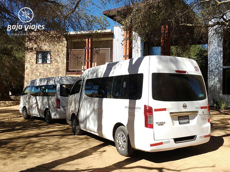 Vans Nissan Urvan 2015, 15 pasajeros. Transporte turístico en Baja California.