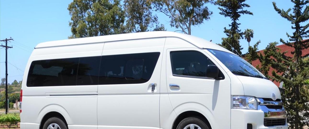 Van Toyota Hiace Transporte con Chofer de Tijuana a Valle de Guadalupe
