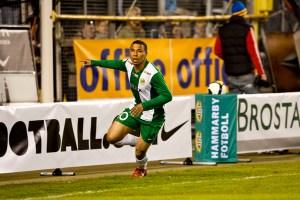 2009-04-20, Fotboll, Allsvenskan, Råsunda, Hammarby - Djurgården; Charlie Davies gör 2-1 för Hammarby. Jubel. ©Andreas L Eriksson