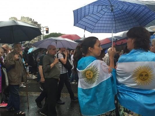 Se derrumba denuncia de fiscal muerto contra presidenta argentina