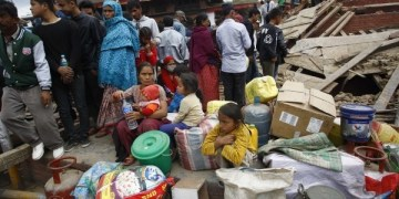 Urge ayuda a niños en Nepal 9