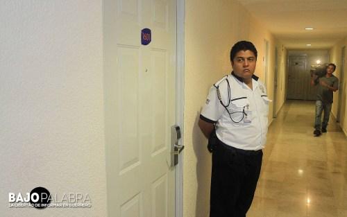 J Solano - Desalojan a policias de hoteles en Acapulco