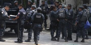 Beneficia desalojo de policías a hoteles Alba Suite y Romano Palace 2