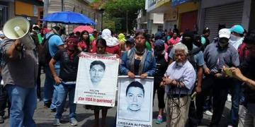 Crece la tensión en Chilpancingo entre militares y manifestantes 5