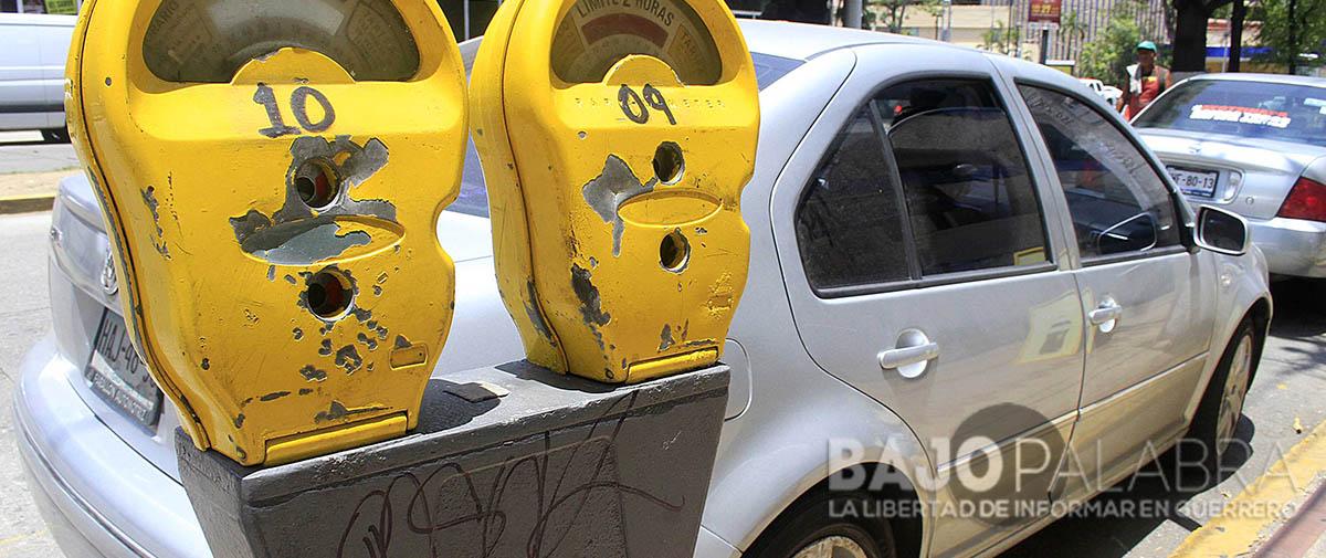 Parquímetros descompuestos y 'asaltantes' defraudan a usuarios de Acapulco