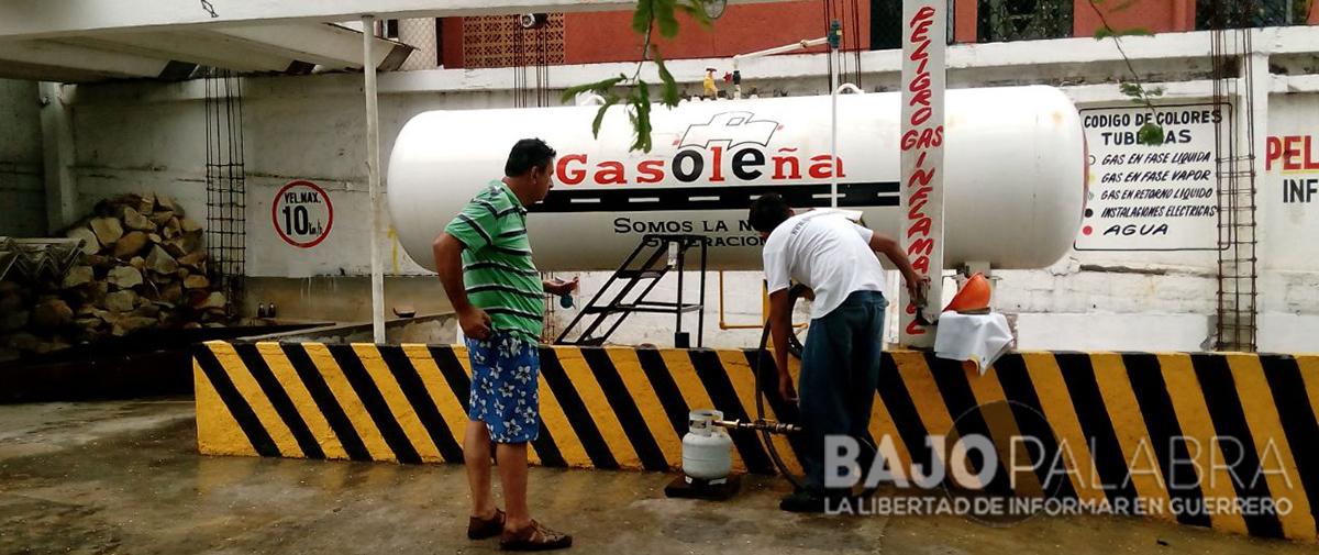 En Acapulco, denuncian vecinos de la Vallarta peligro por gasera