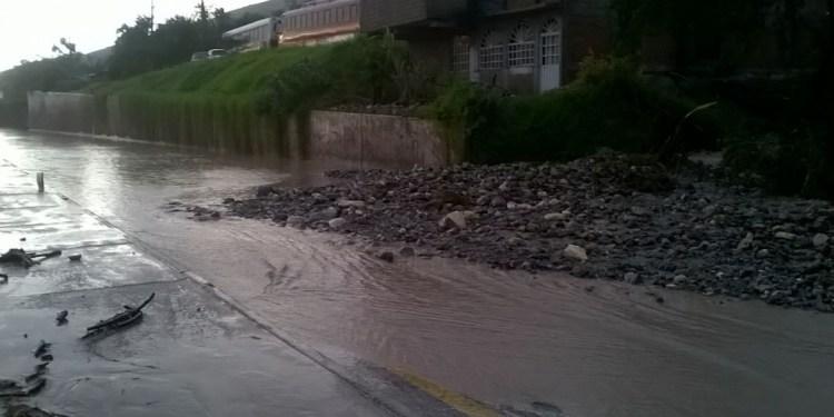 Lluvias de Chilpancingo provocan derrumbe en la México-Acapulco 3