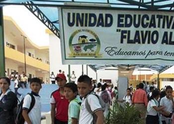 Ecuador reanudará clases en mayoría de zonas afectadas por sismo 2