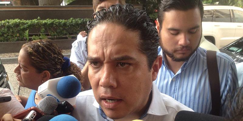 """""""Hay que pegarle"""" a la pobreza y a la marginación en Acapulco: alcalde"""