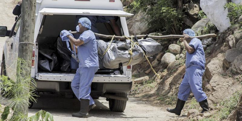 Sobrecupo de 168 cadáveres en instalaciones forenses de Guerrero