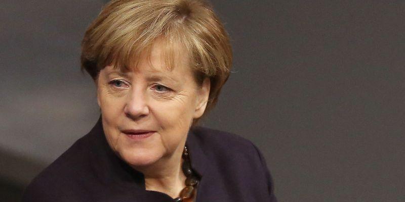 Viaja canciller alemana a China, en medio de tensiones