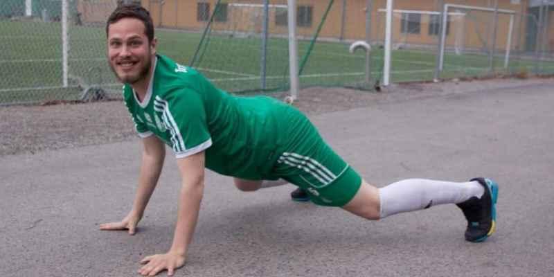 Futbolista sueco expulsa un pedo y lo expulsan