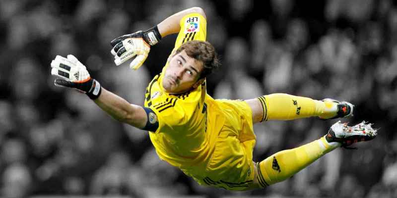 Iker Casillas incómodo por no jugar en la Eurocopa